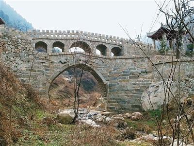 85岁老人花20年义务修复子午峪口一清代古石桥